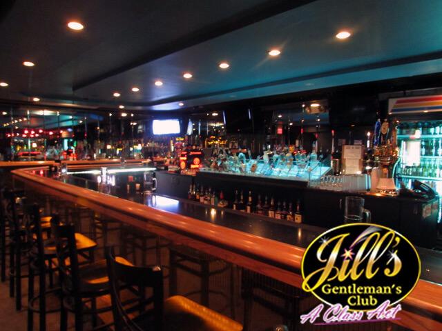 Jills-Gentlemens-Club-bar-2