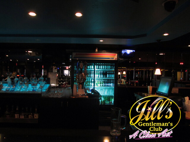 Jills-Gentlemens-Club-bar