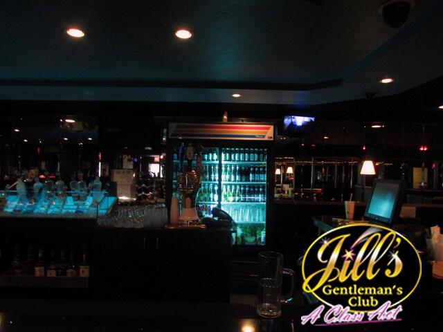 Jills-Gentlemens-Club-bar