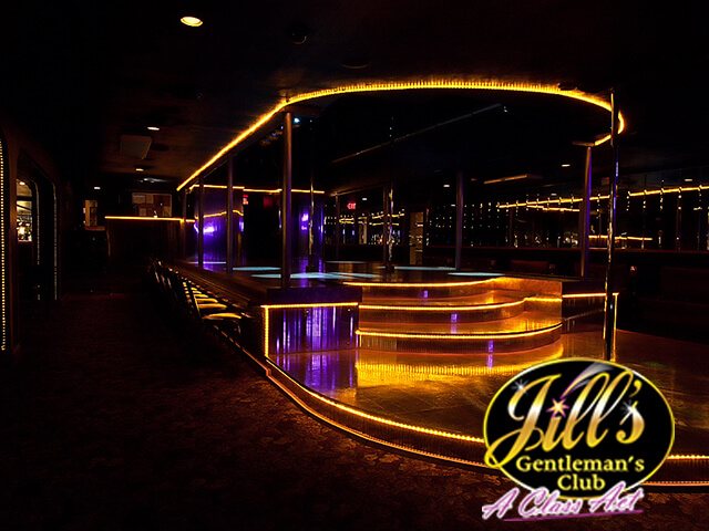 Jills-Gentlemens-Club-stage-side